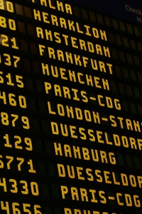 airport-1890944_960_720
